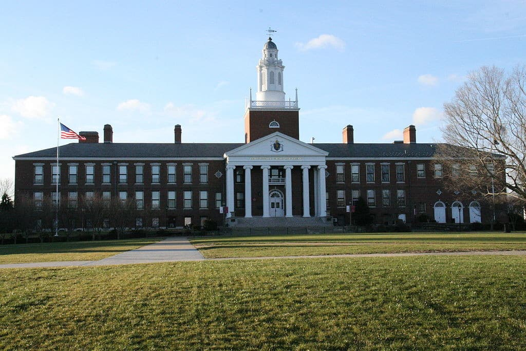 Massachusetts Scholarships 1024x683 Massachusetts Scholarships