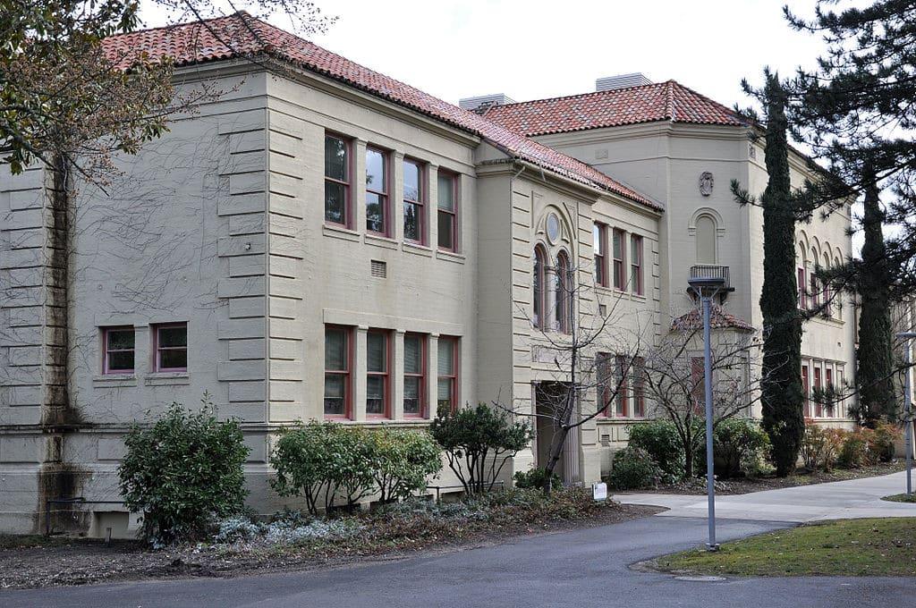 Oregon Scholarships 1024x680 Oregon Scholarships