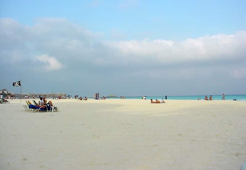 800px Playa del Carmen beach Top 5 budget friendly spring break beach resort destinations